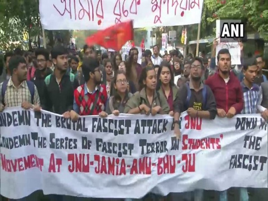 Students in Bengal continue protest over JNU attack
