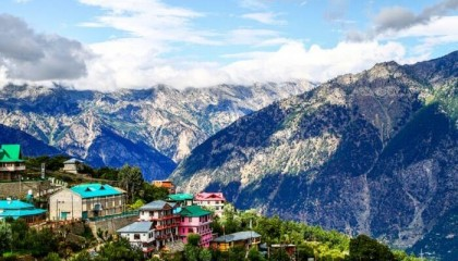 200 tourists stranded in Manali