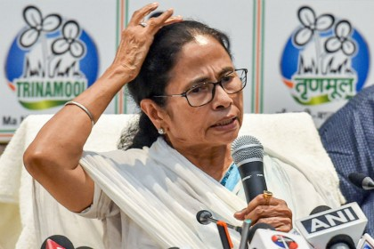 Is Mamata playing politics even during COVID 19 crisis?